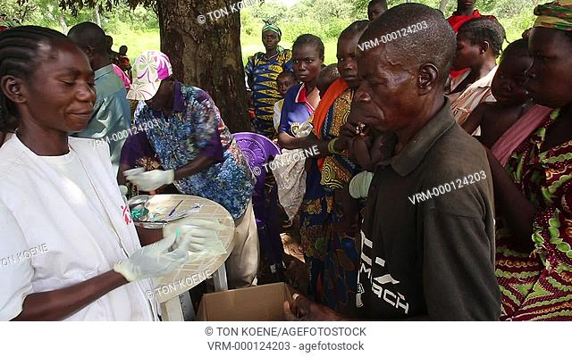 mobile clinic in Central African Republic treating people from malaria