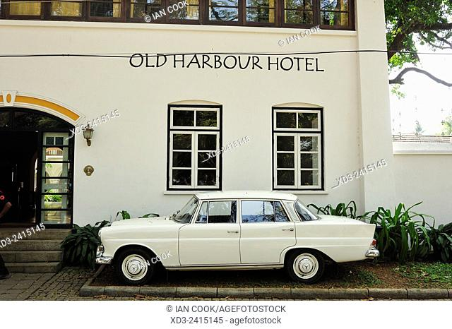classic Mercedes Benz at Old Harbour Hotel, Fort Cochin, Fort Kochi, Kerala, India