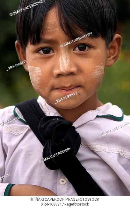 Child, Kalaw, Shan State, Myanmar, Burma, Asia