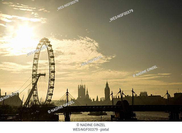 UK, London, skyline with London Eye and Big Ben in backlight