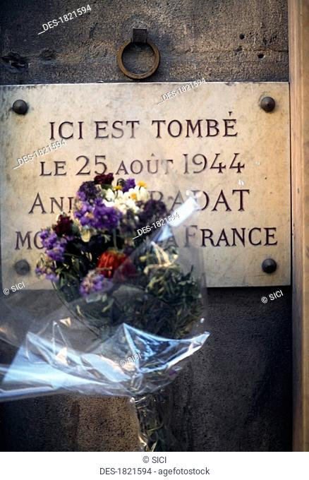 Commemoration Plaque Of Frenchman Shot On Day Of Liberation 1944, Paris, France, Bouquet In Front Of A Commemoration Plaque