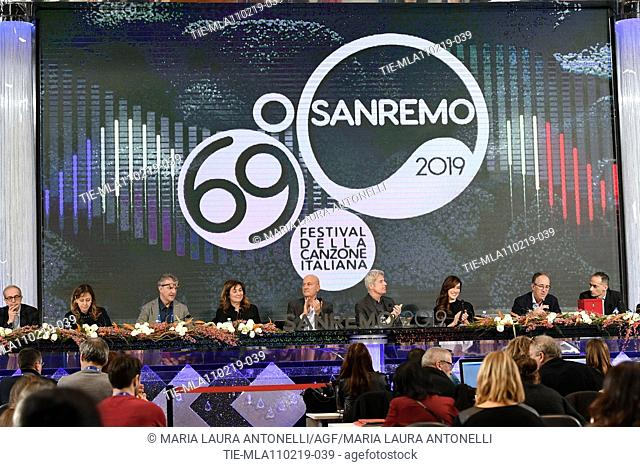 Director of Rai 1 Teresa De Santis, Claudio Bisio, Claudio Baglioni, Virginia Raffaele, Mayor of Sanremo Alberto Biancheri during the final press conference of...