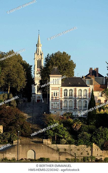 France, Loire Atlantique, Nantes, dock Marquis d'Aiguillon and church Sainte Anne