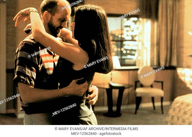 Anthony Edwards & Madeleine Stowe Characters: Roger & Gracie Film: Playing By Heart (USA/UK 1998) Director: Willard Carroll 18 December 1998