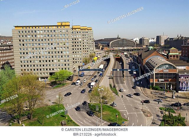 Main station Hamburger Hauptbahnhof, Hamburg, Germany