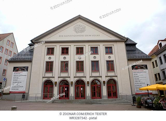 Stadttheater mit der Aufschrift