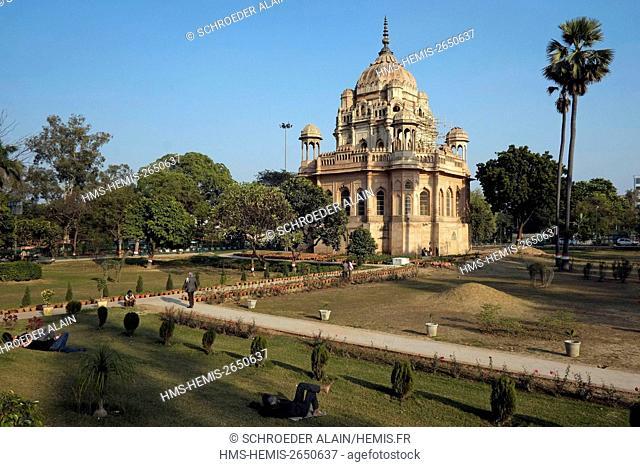 India, state of Uttar Pradesh, Lucknow, Qaiserbagh, Maqbara Murshid Zadi, it is a mausoleum built in the year 1824, by son Nawab Ghazi-ud-din Haider for his...
