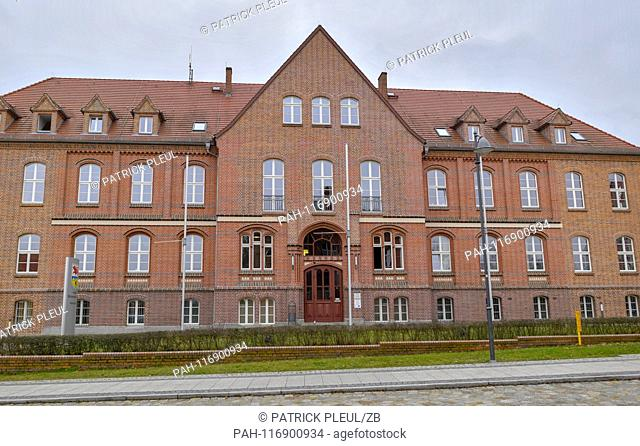 13.02.2019, Brandenburg, Calau: The renovated building of the district administration of the district Oberspreewald-Lausitz