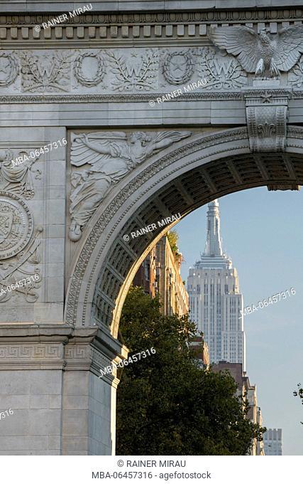 Washington Square Arch in Washington Square park, Manhattan, New York city, New York, the USA