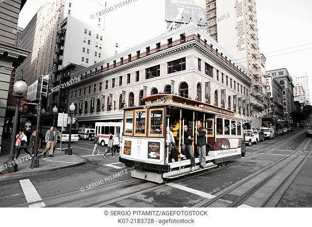Cable car in Powell street - Union square, San Francisco, California, USA