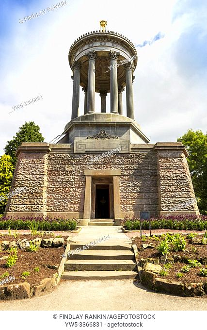 Burns Monument museum, Alloway, Ayr, Scotland, dedicated to the Scottish poet Robert Burns. It is a 70 foot high Grecian styled temple with 9 pillars signifying...