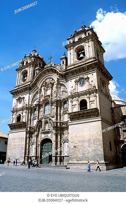 Iglesia La Compania de Jesus, Plaza de Armas