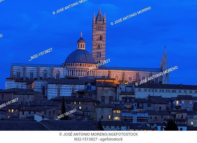 Duomo cathedral at dusk, Siena, UNESCO World Heritage Site, Tuscany, Italy