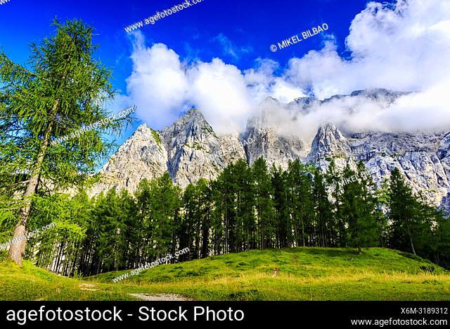 Mount Prisank (2547m). Triglav National Park. Julian Alps. Upper Carniola region. Slovenia, Europe