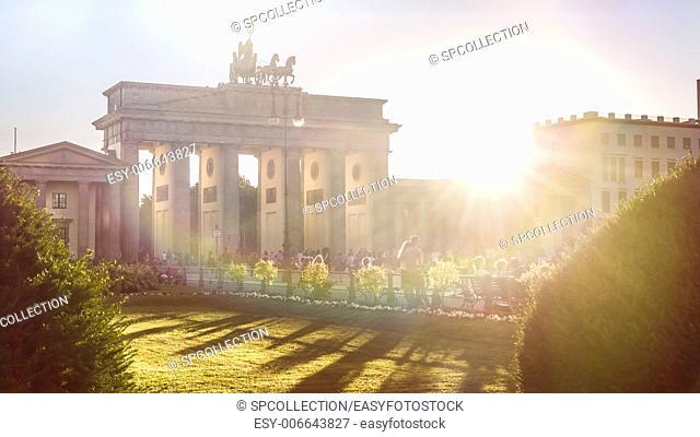 brandenburger gate with sunshine