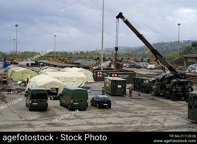 The Italian Army carries out the construction of the field hospital in Vaglio Lise, in the area of the former freight yard of the railway station
