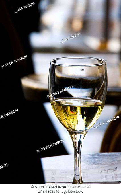 glass white wine