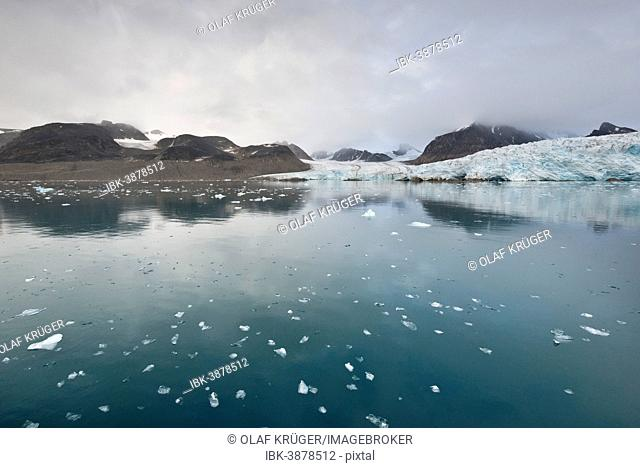 Smeerenburg Glacier, Spitsbergen Island, Svalbard Archipelago, Svalbard and Jan Mayen, Norway