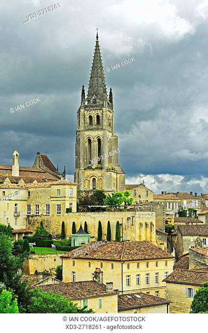town and Monolithic Church, Saint-Emilion, Gironde Department, Aquitaine, France