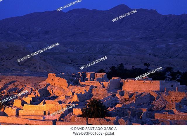 Tunisia, Oasis Tamerza in the Djebel En Negueb Mountains near the algerian border