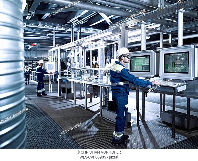 Rumania, woodworking, veneer production, worker in productions hall