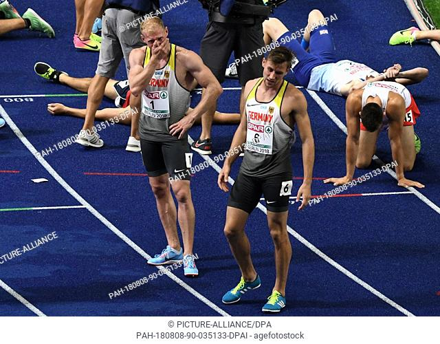 08.08.2018, Berlin: Athletics, European Championships in the Olympic Stadium: Decathlon, 1500 m, Men, Arthur Abele from Germany (l) and Niklas Kaul from Germany...