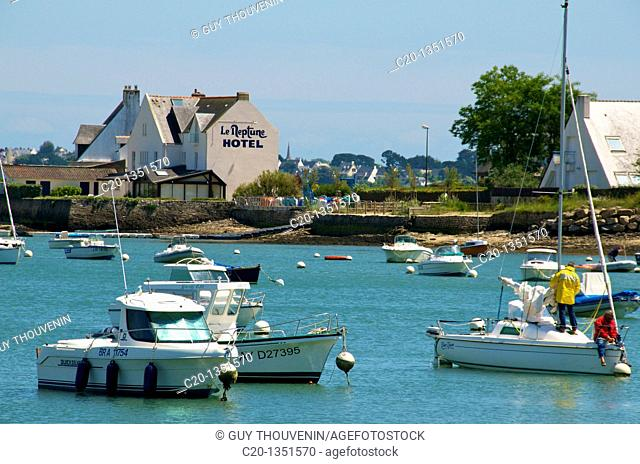 Hotel and boats in the harbour of Locmariaquer Morbihan Brittany 56 France