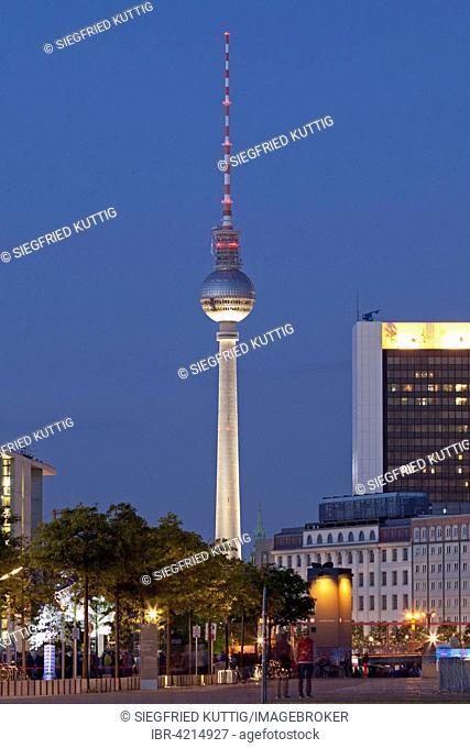 Berlin TV Tower, Fernsehturm Alex at dusk, Berlin, Germany
