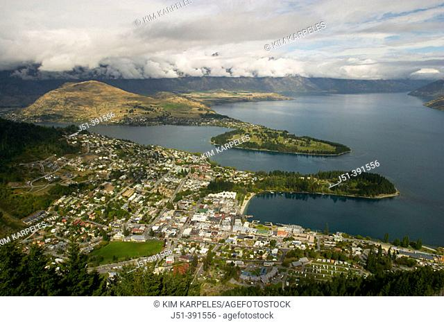 NEW ZEALAND Queenstown. . City on shores of Lake Waktipu, viewed from Bob's Peak, mountains