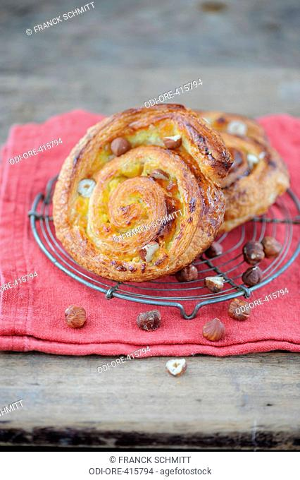 Nuts and sultanas rolls