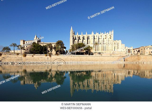 Spain, Balearic Islands, Majorca, Palma de Mallorca, Almudaina Palace, Cathedral La Seu