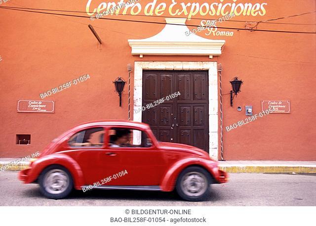 In the lanes of the Old Town of Valladolid in the province of Yucatan in sueden from Mexico