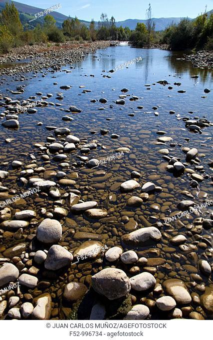 Pas river. Ontaneda. Toranzo. Cantabria. Spain