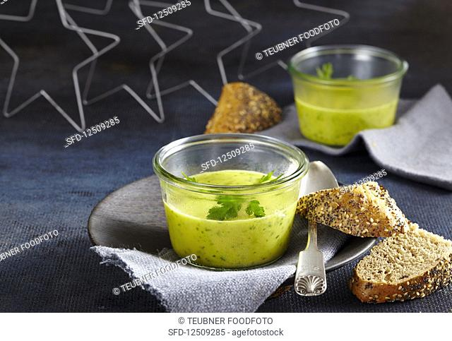 Parsley root soup with wholemeal bread
