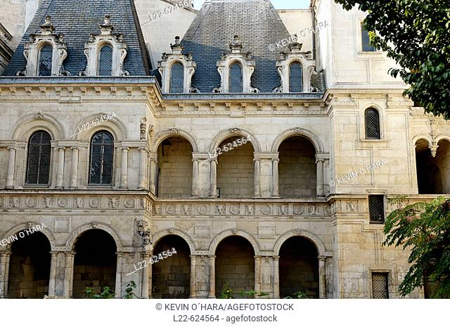 'Maison Henri II' (1555) built by Hugues de Pontard, Lord of Champdeniers. Renaissance. The city of La Rochelle. Fortified port and harbour on the Atlantic...