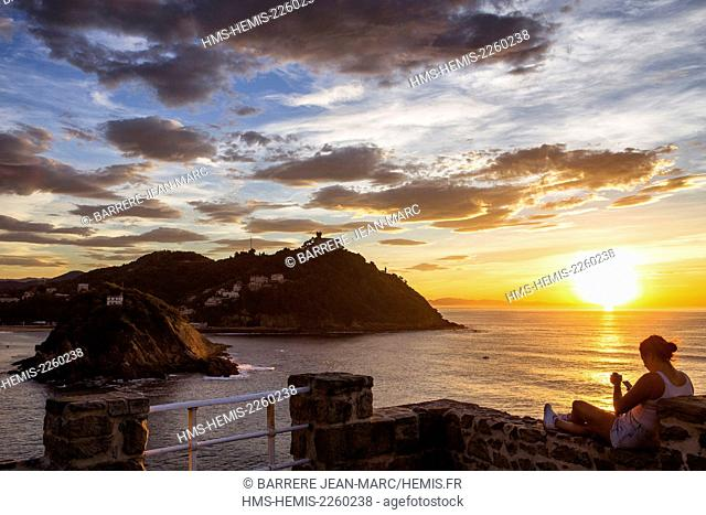 Spain, Basque Country, Guipuzcoa province (Guipuzkoa), San Sebastian (Donostia), European capital of culture 2016, view from Urgull Mount, La Concha Bay