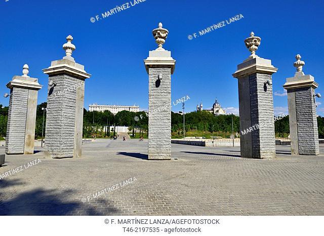 Puerta del Rey or Puerta del Río, main entrance to the Casa de Campo, Madrid