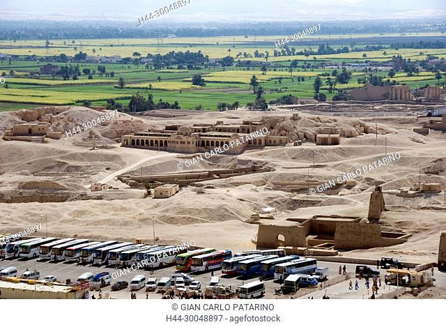 Deir el Bahari, Luxor, Egypt: temple of the queen Hatshepsut (New Kingdom 1567-1080 b.C.) at Deir el Bahari called Djeser-Djeseru: the American House or...