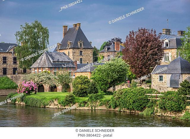 Normandy, Ducey les Cheris, houses on the bank of the river Selune