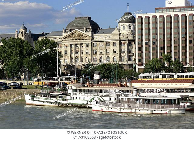 Budapest, Hungary, Central Hungary, Budapest, Danube, Capital City, Danube bank of Pest, Ministry of Interior, shipping pier, excursion ships
