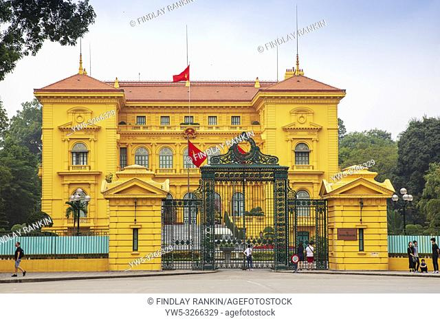 Presidential Palace, Hanoi, Vietnam, Asia. The palace was built 1900 -1906 and designed by the French Architect Auguste Henri Vildieu for the French Governor...