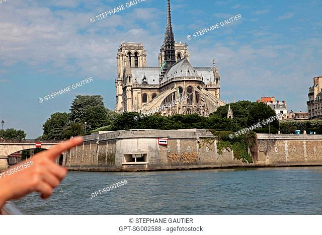 NoTRE-DAME CATHEDRAL, THE GEM OF GOTHIC ARCHITECTURE, HISTORIC MONUMENT LISTED AS A WORLD HERITAGE SITE, PARIS 75, FRANCE
