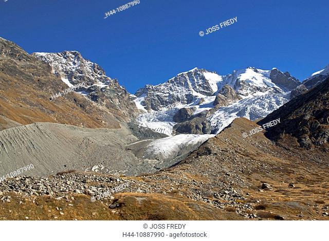 Piz Morteratsch, Piz Bernina und Piz Scerscen, von links nach rechts, gesehen aus der Val Roseg, Oberengadin