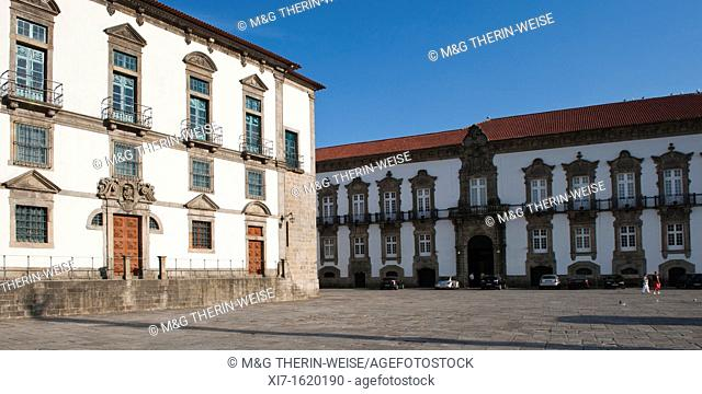 Da Sé Square and former episcopal palace, Barredo district, Porto, Portugal, Unesco World Heritage Site