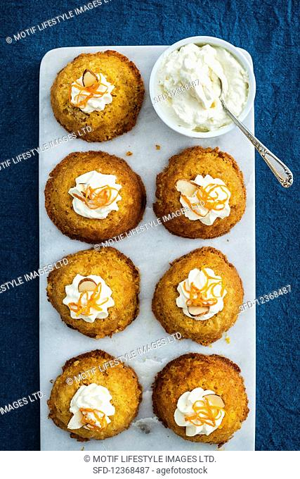 Orange and almond chutney with cream (supervision)