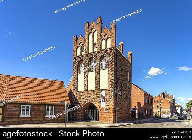 Das historische Steintor in Wittenberge, Brandenburg, Deutschland | City Gate Steintor in Wittenberge, Brandenburg, Germany