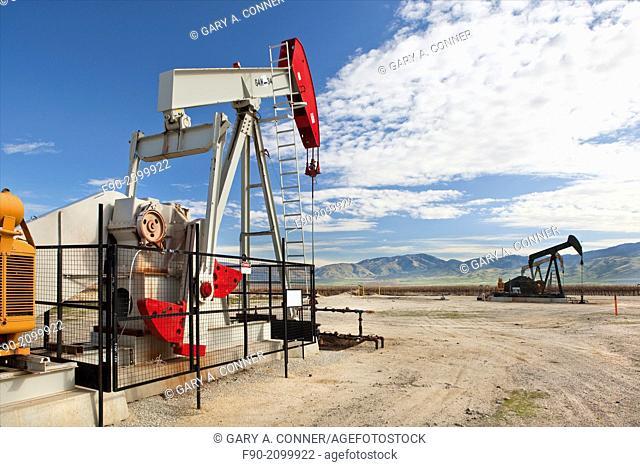 Oil wells w pumps-Kern Co. CA H