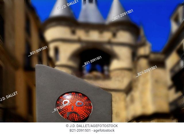 Traffic light by Grosse Cloche, Bordeaux, Gironde, Aquitaine, France