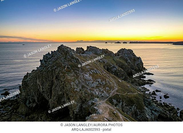 Beautiful scenery of coastline at sunset at Pointe de Dinan, Presquile de Crozon, Armorica Regional Natural Park, Crozon, Finistere, Brittany, France
