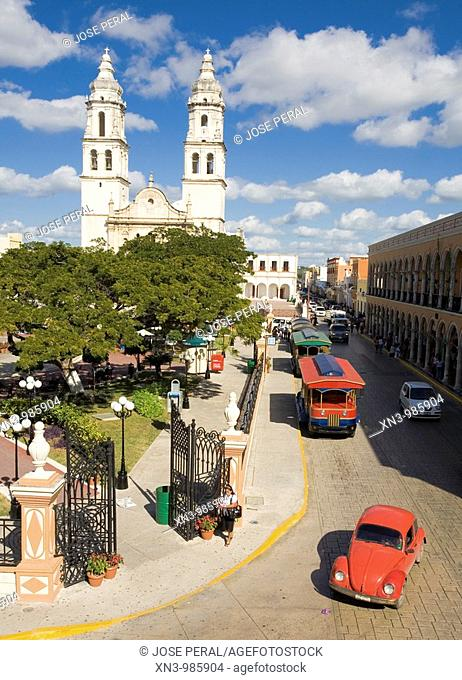 Mexico, Campeche State, Campeche City, historical center listed as World Heritage by UNESCO, the Zocalo, the cathedral and the library